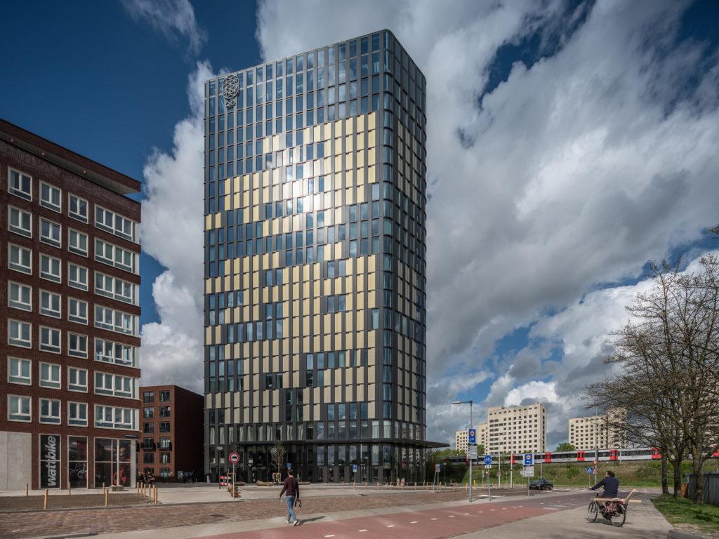 QO Amsterdam Mulderblauw architecten ism Paul de Ruiter Architects Amstelside. beeld Ossip van Duivenbode