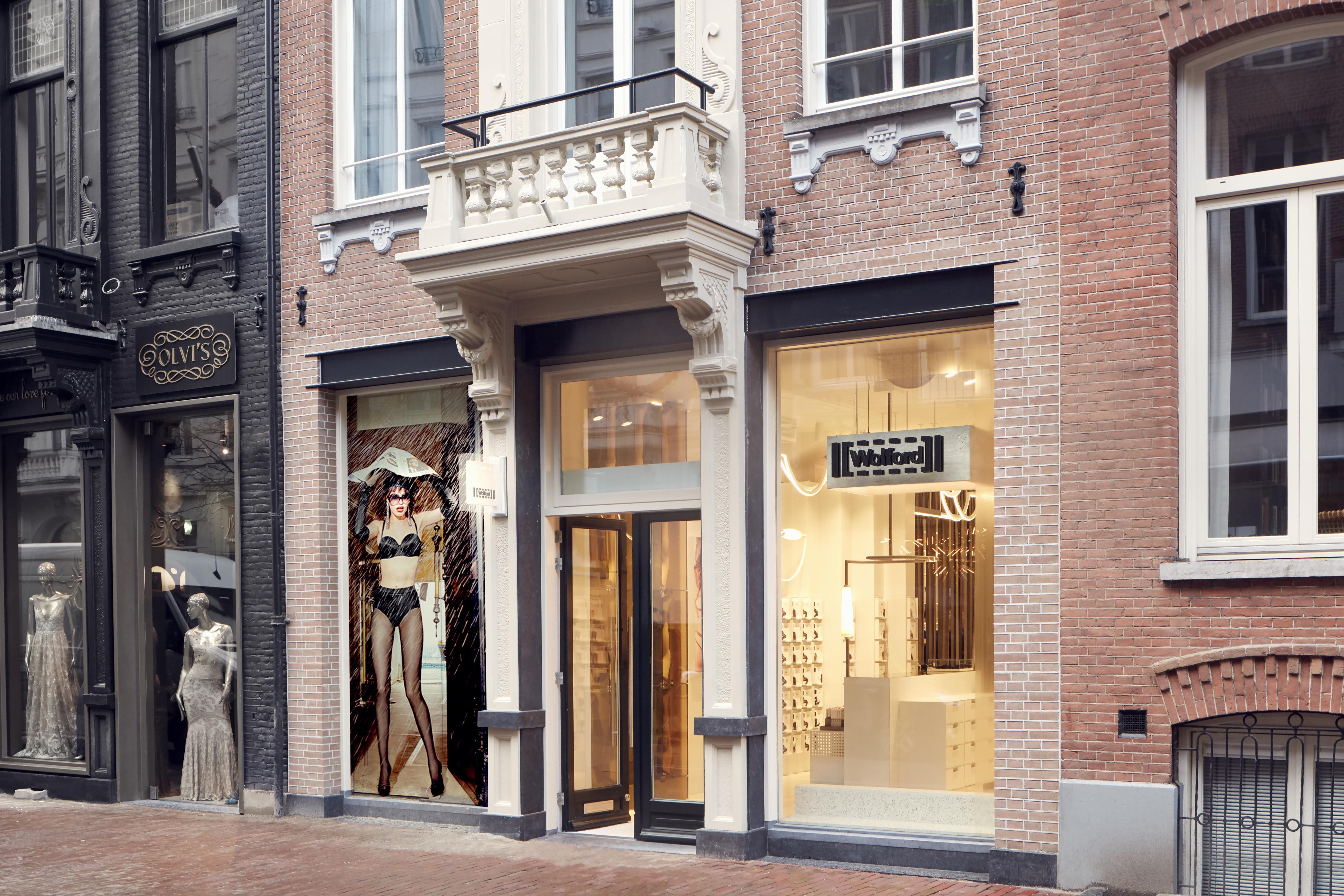 <p>Wolford Amsterdam door, studio Modijefsky</p>