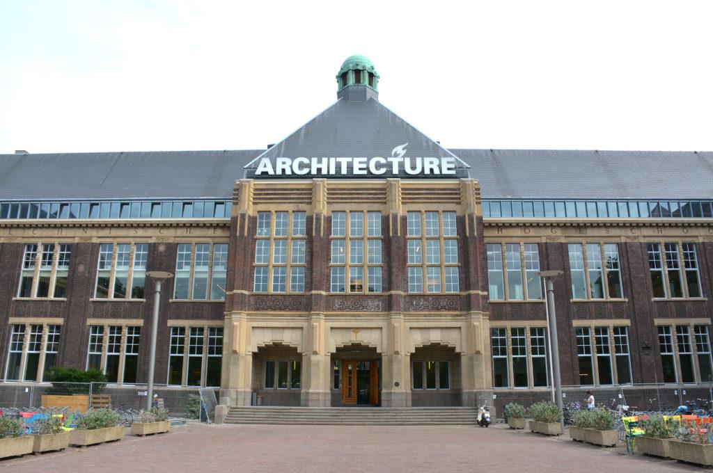 Faculteit Bouwkunde van de TU Delft, beeld Shutterstock