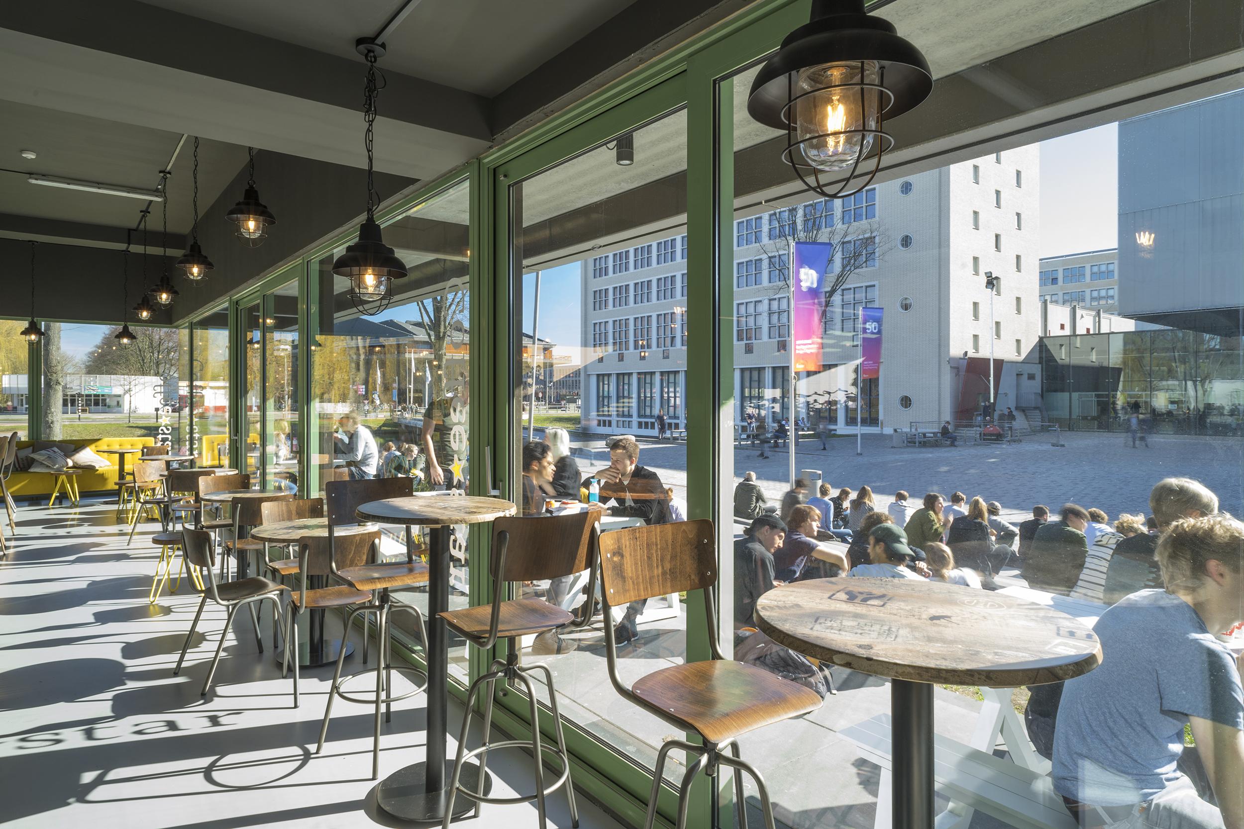 <p>Coffee and Bikes Delft door Biq-BureauVanEig, beeld Riccardo de Vecchi</p>