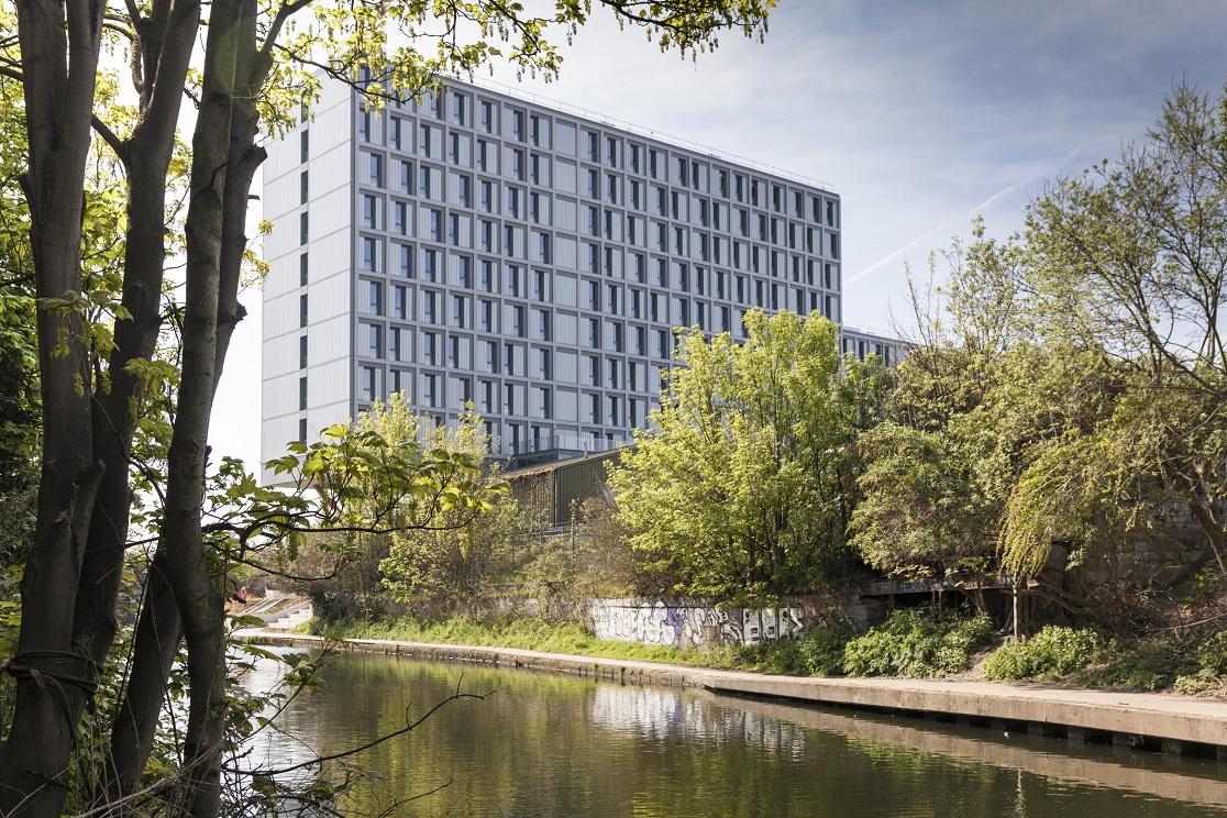 <p>Collective Old Oak in Londen door PLP Architects en DH Liberty</p>