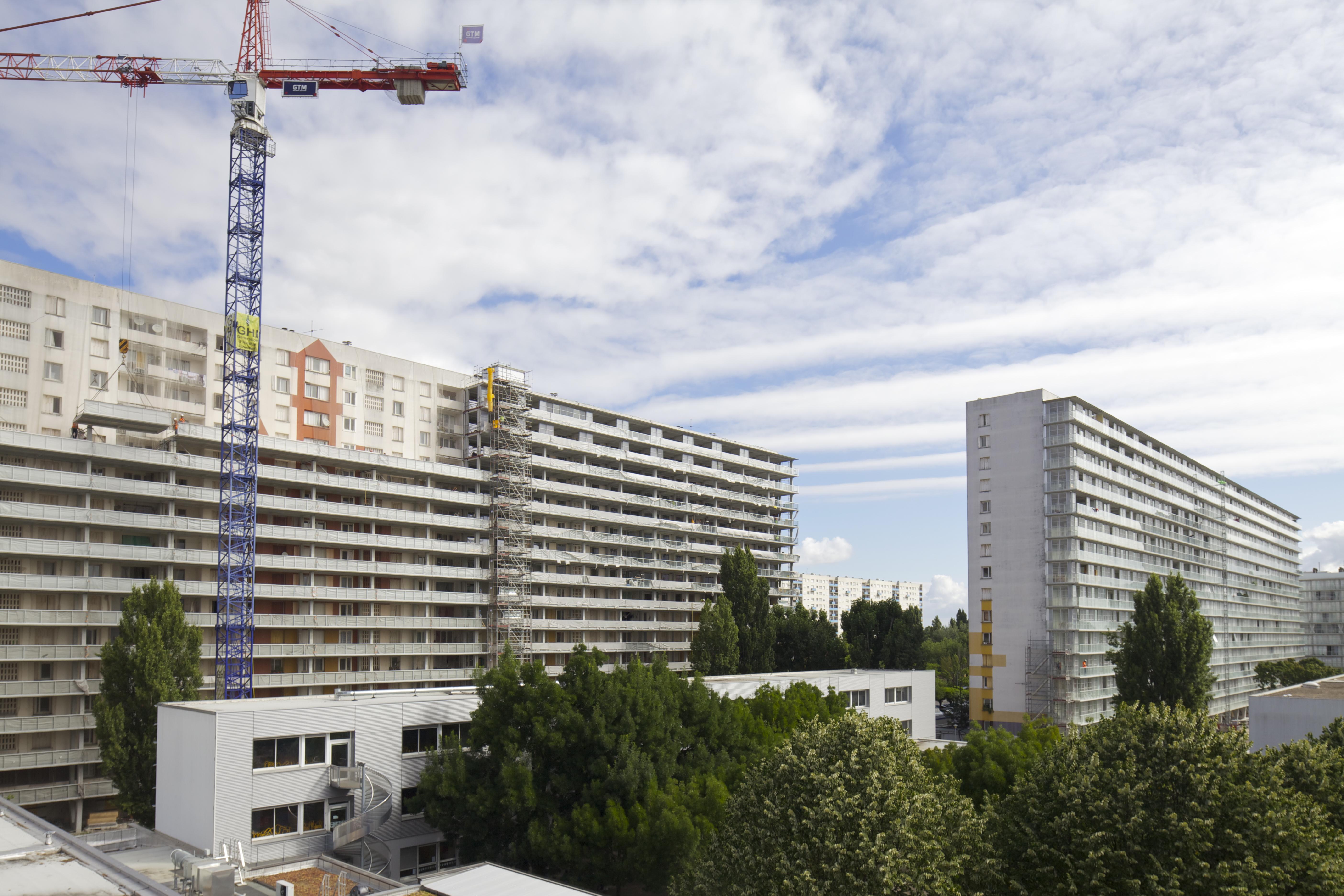 <p>Transformatie van 530 woningen in Grand Parc Bordeaux door Lacaton &#038; Vassal architectes, Frédéric Druot Architecture en Christophe Hutin Architecture, beeld Philippe Ruault</p>