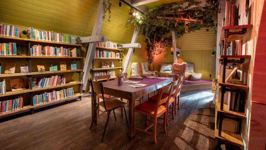 Grünerløkka Library door Aat Vos