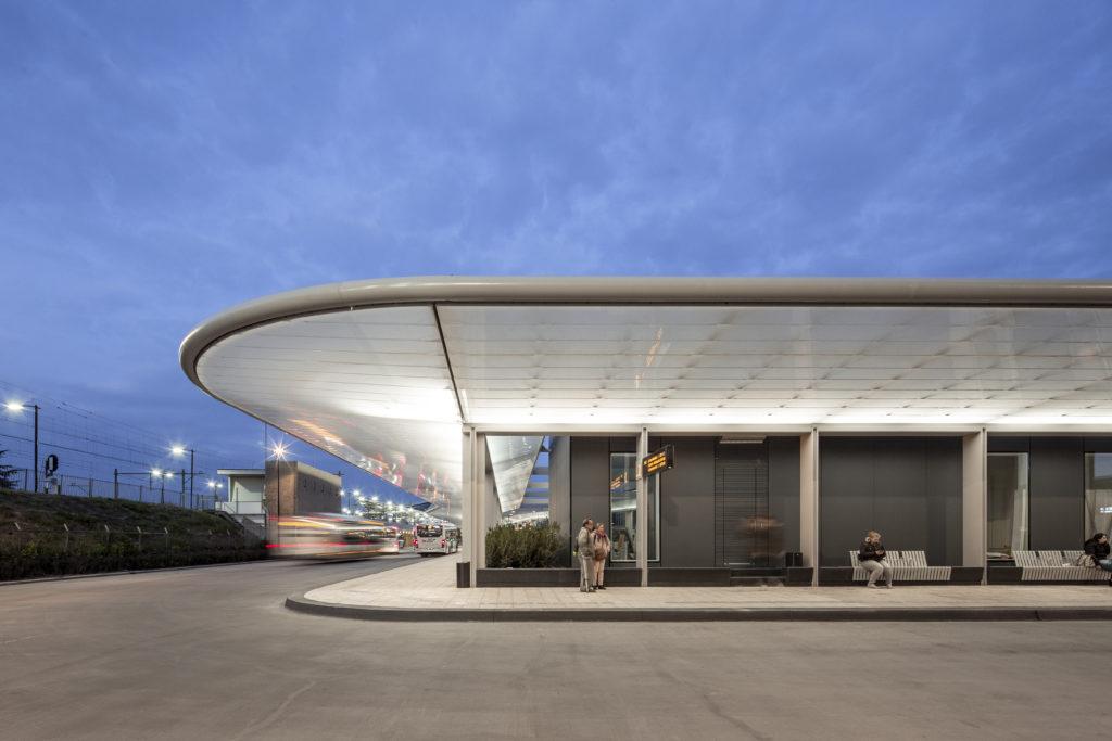 cepezed busstation Lucas van der Wee