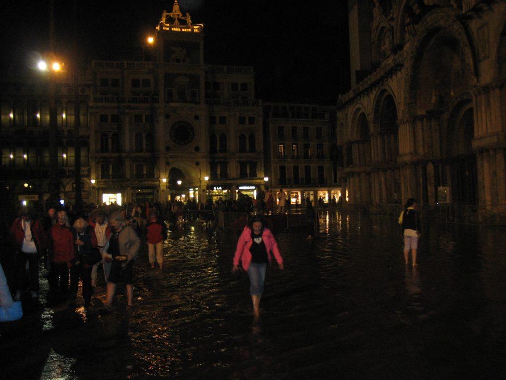 Overstroming van het San Marcoplein in Venetië. Beeld Matthijs de Boer