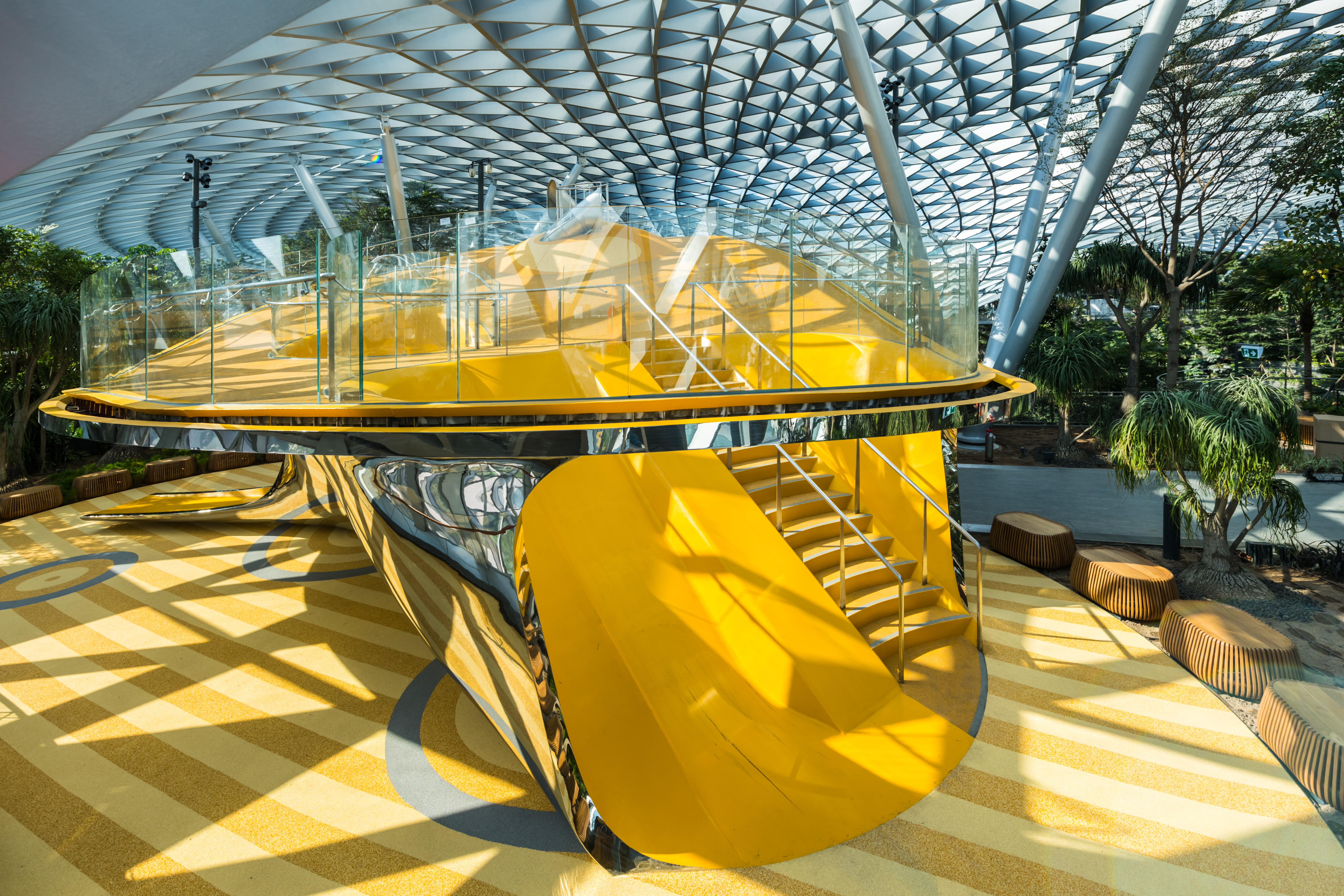 Discovery Slides Changi Int Airport - Beeld Playpoint Singapore