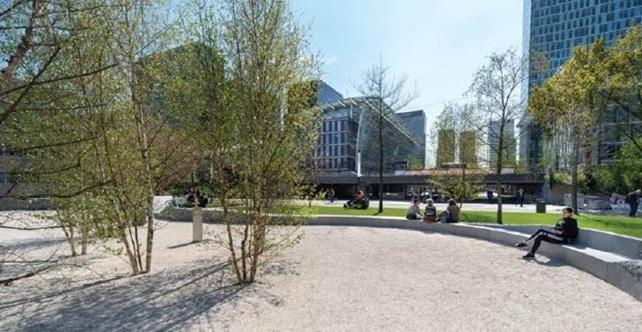 De Vijfhoek / Fietsparkeergarage Strawinskylaan in Amsterdam door de gemeente Amsterdam Zuidas en wUrck