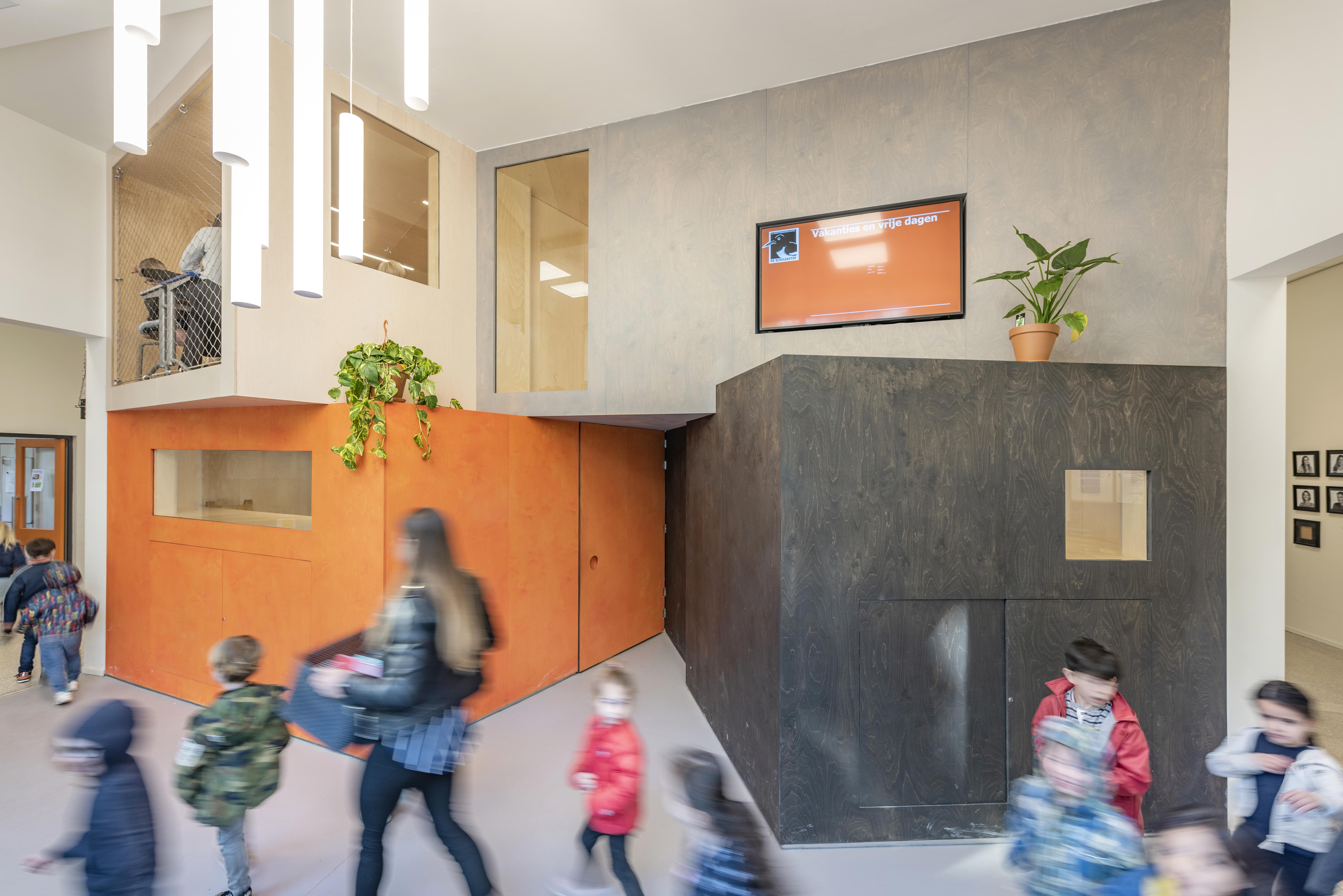 <p>26-04-2019, Amsterdam<br /> De Scholekster door Heren5 Architecten<br /> foto en copyright Leonard Fäustle</p>