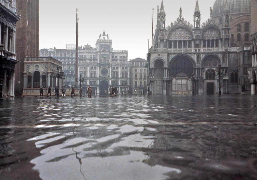 Overstroming van het San Marcoplein in Venetië (1966)