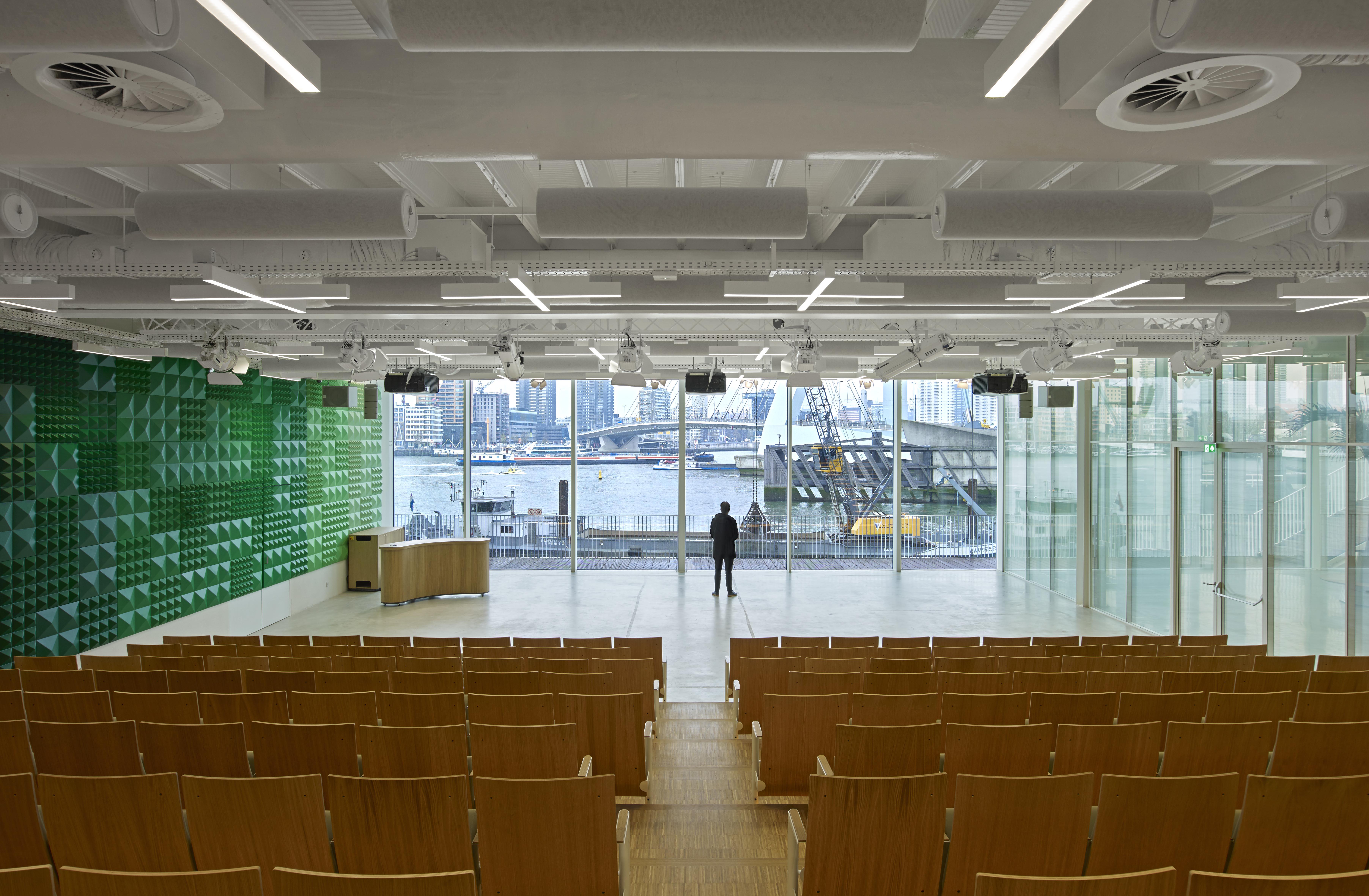 <p>KPN hoofdkantoor auditorium &#8211; Jeroen Musch</p>