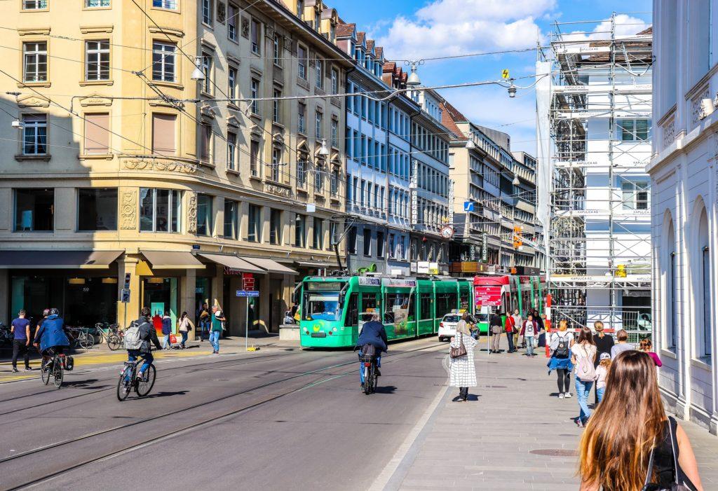 Tram in Basel, beeld Shutterstock