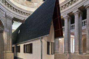 Narrow House naar Oude Kerk in Delft