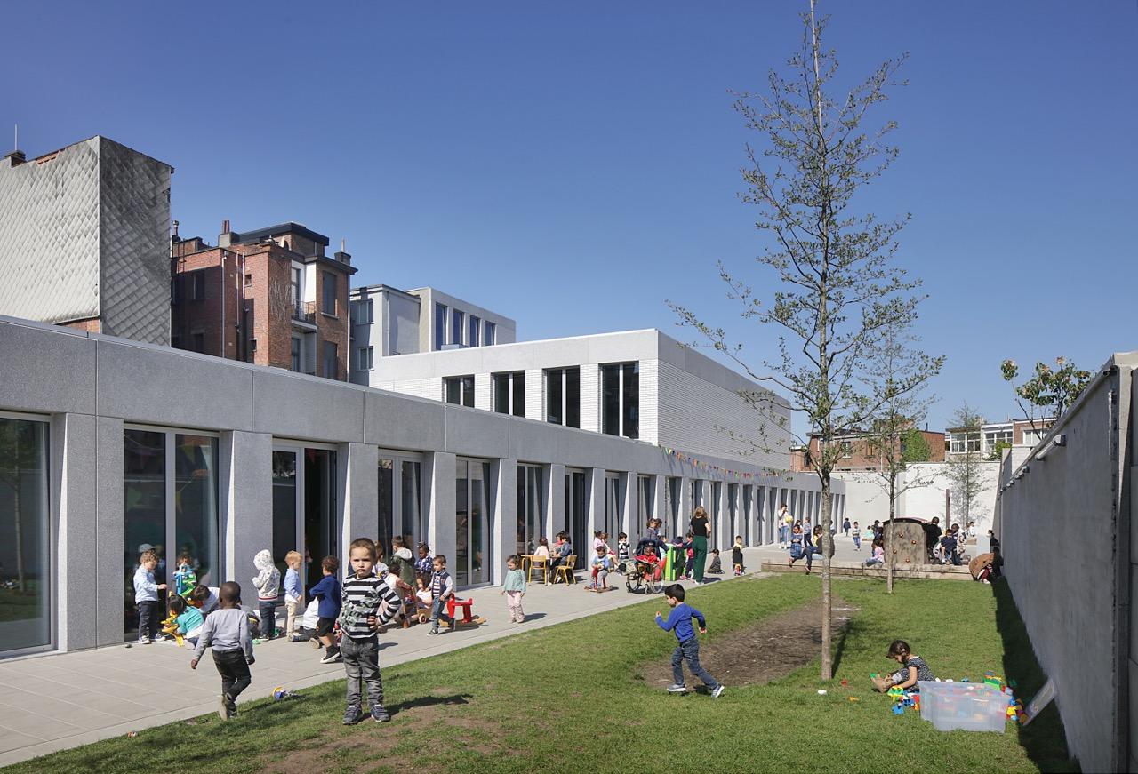 <p>Xaveriuscollege Borgerhout, META architectuurbureau, beeld: Filip Dujardin</p>