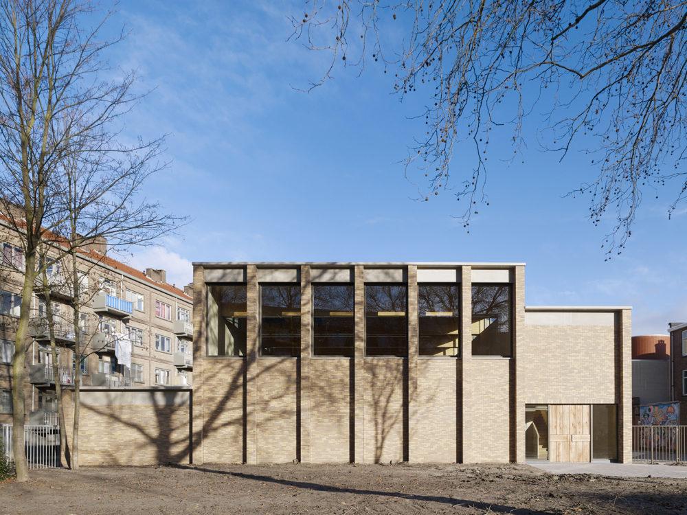 ARC19: Gymzaal de Adamshof – Artesk van Royen Architecten