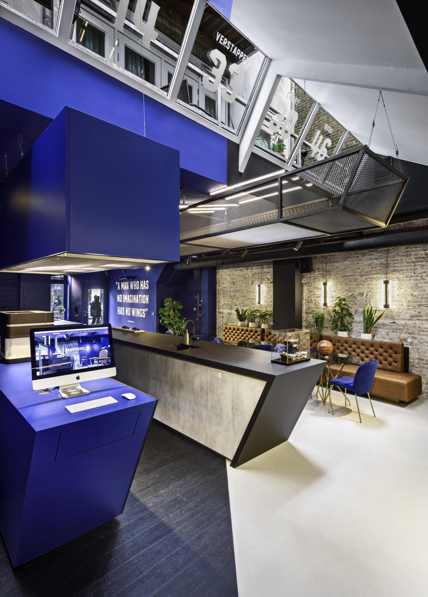 <p>Bar &#8211; Desk &#8211; Photo: J. Rodycz</p>