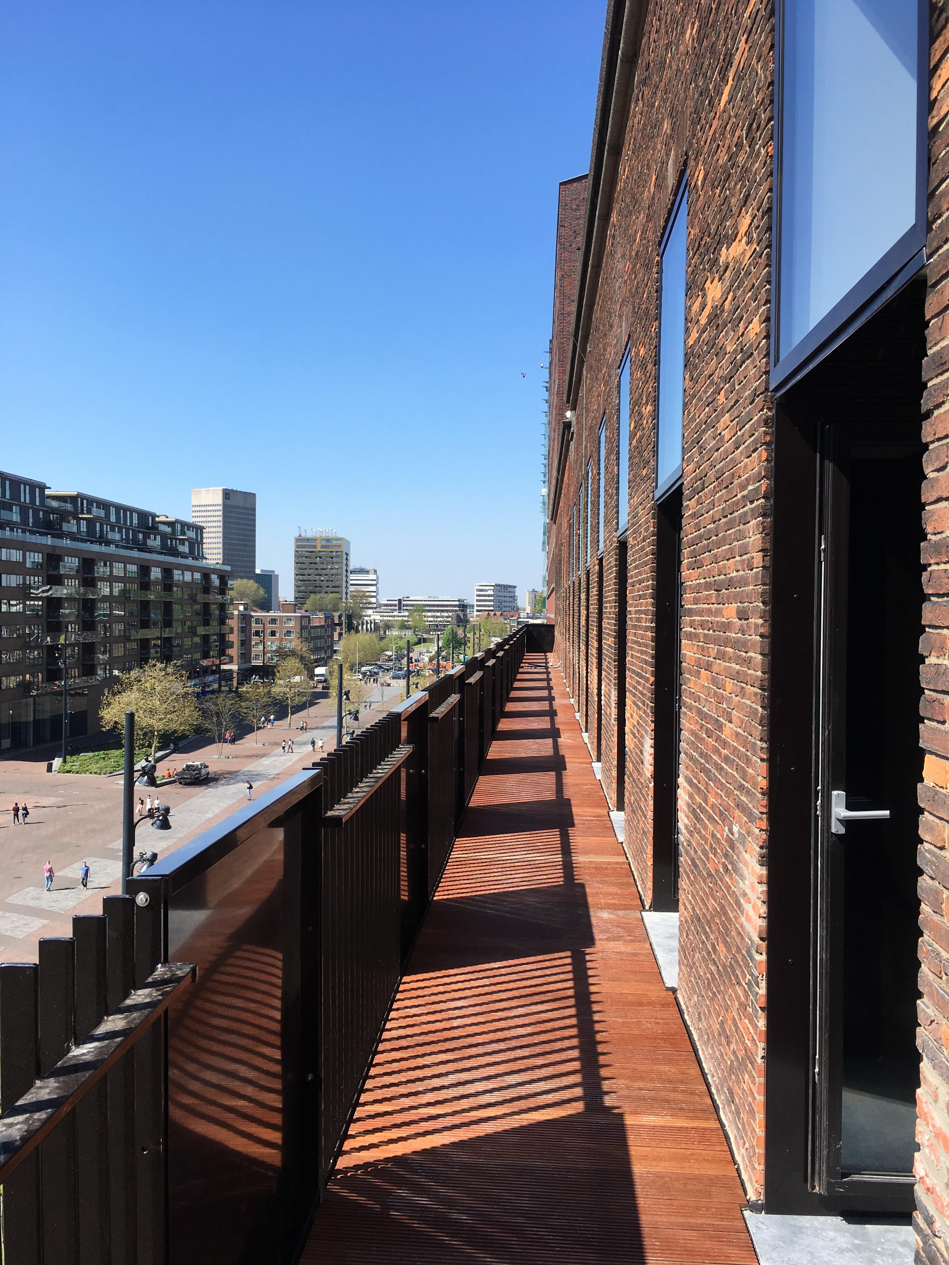 <p>Grootformaat balkon. Beeld: JSA</p>