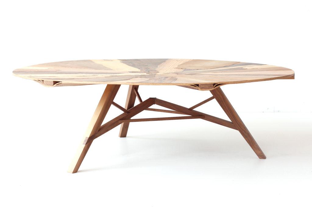 Laminated coffee table door Studio Jeroen Wand wint ARC19 Meubel Award. Beeld Studio Jeroen Wand