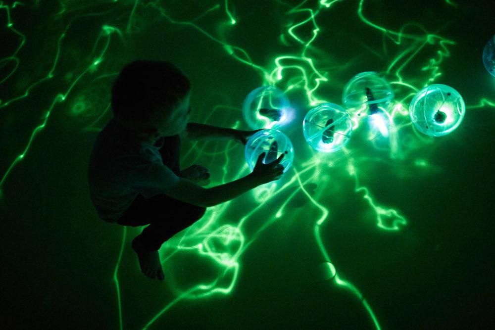 Blog – In 'Presence' put Daan Roosegaarde inspiratie uit duisternis