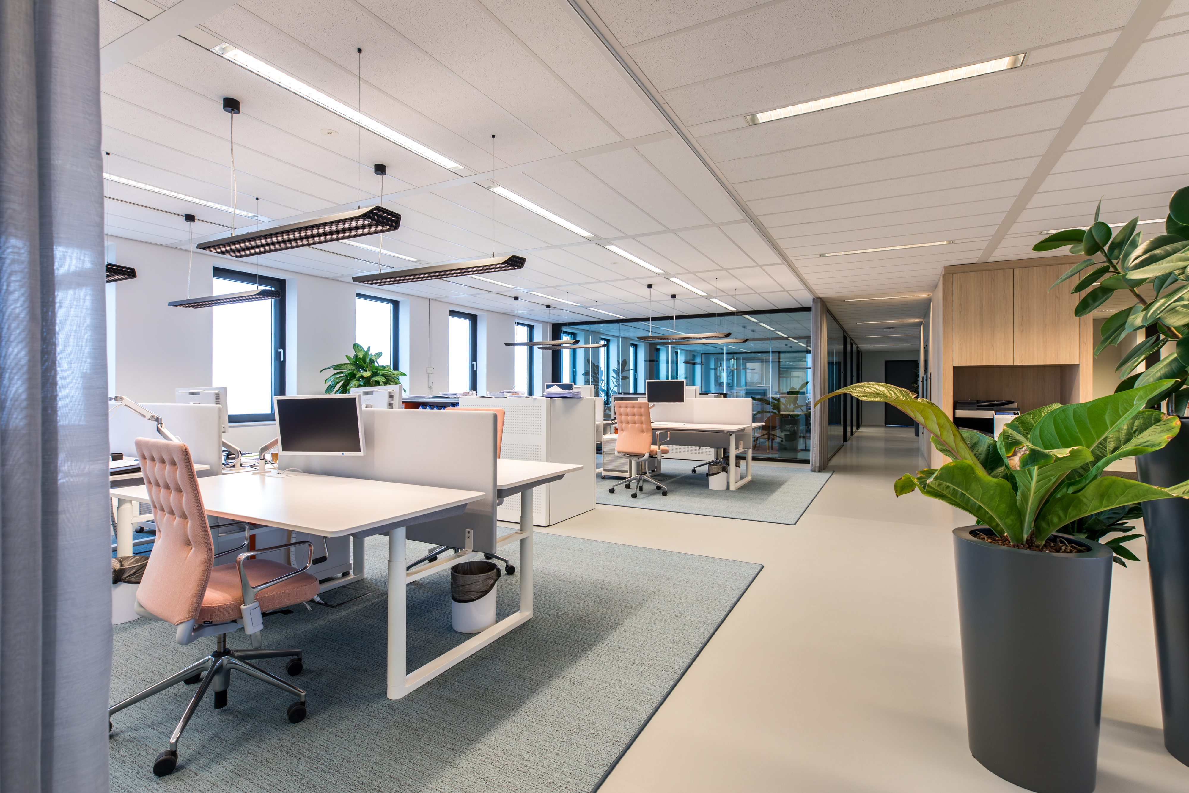 <p>Zone met werkplekken, &#8216;foto; Jan Buteijn&#8217;</p>