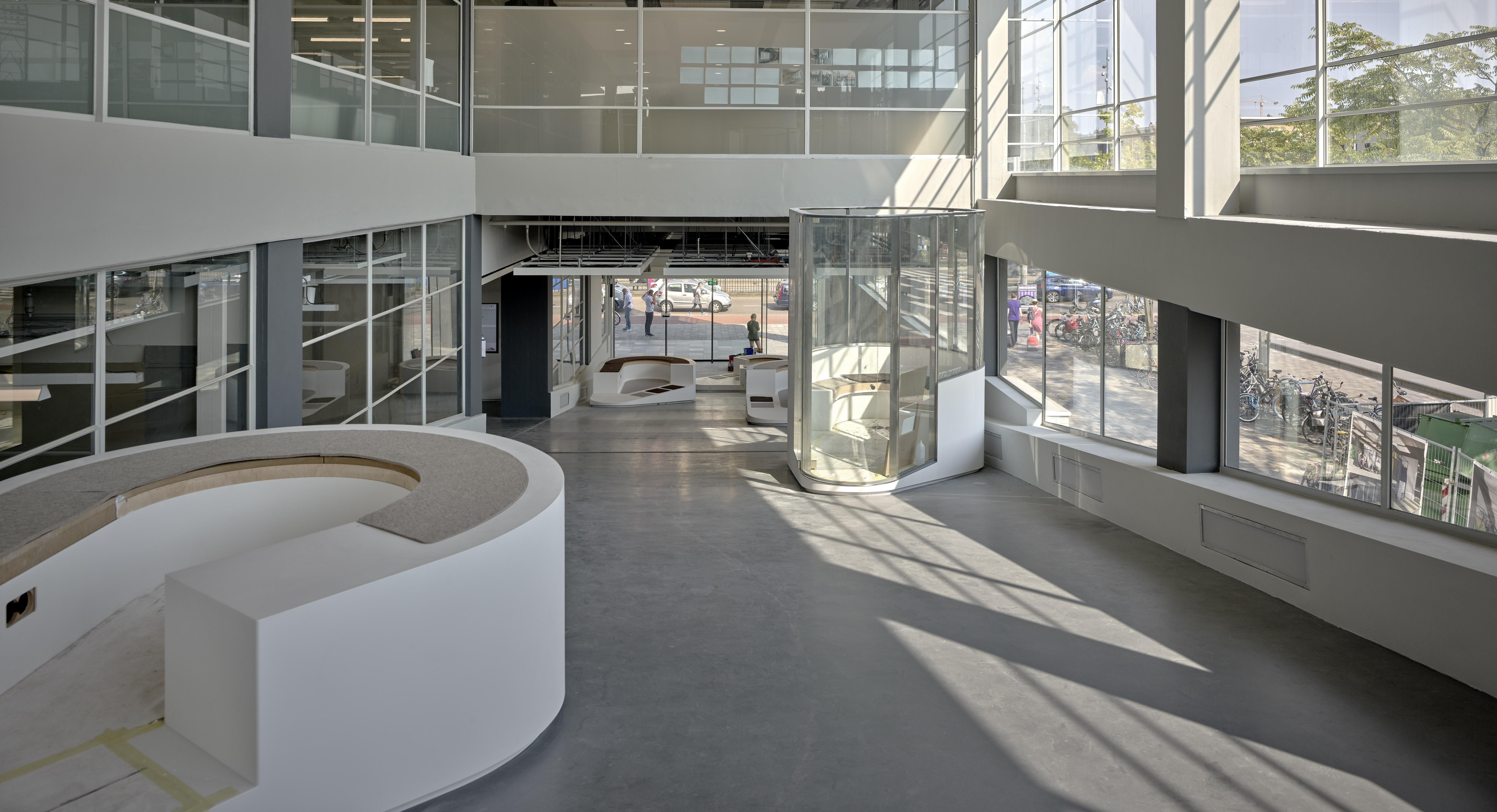 <p>Amsterdam Stadionplein Citroën Noordgebouw. Beeld Kees Hummel</p>