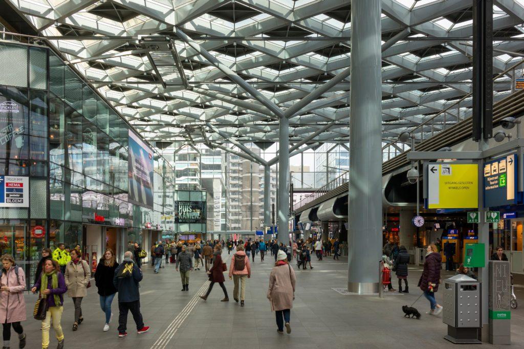 Den Haag Centraal door Benthem Crouwel Architects. Beeld Shutterstock