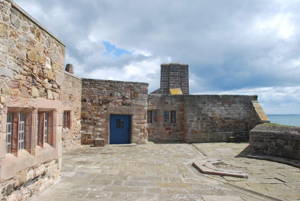 Tweede binnenplaats - Lindisfarne Castle, Holy Island, UK (eventueel schrappen). Beeld Robbert Guis