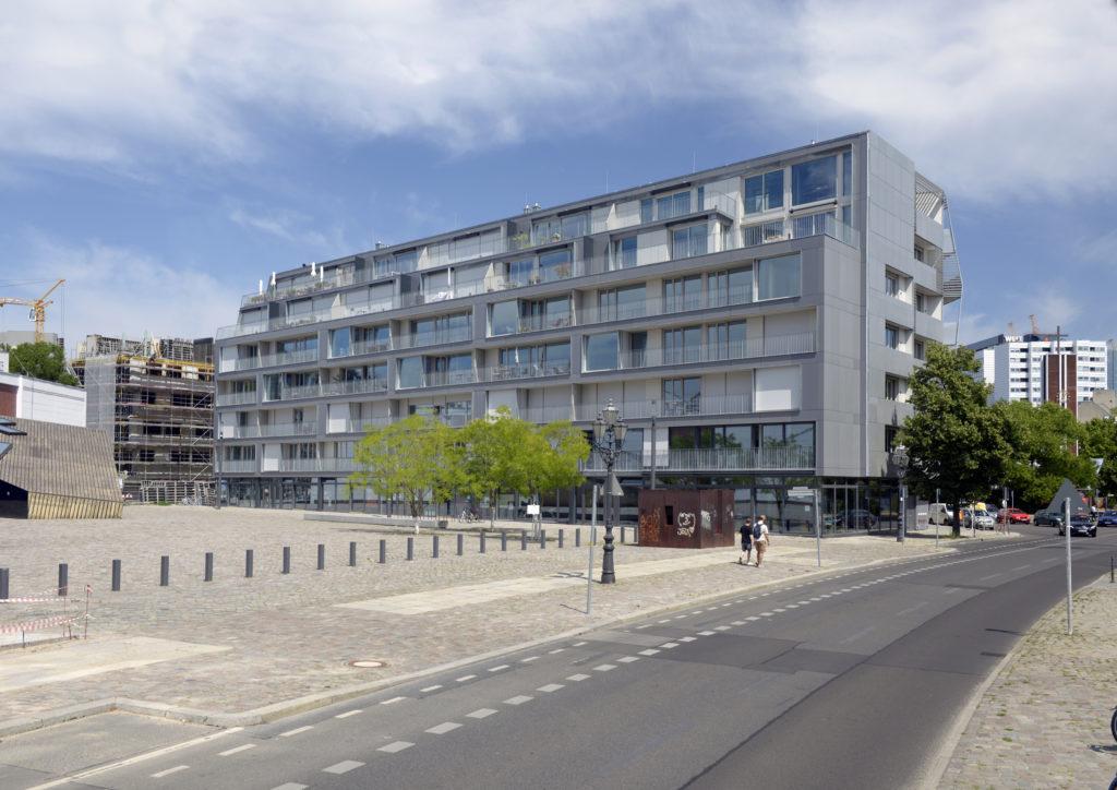 Metropolenhaus in de wijk Südliche Friedrichstadt in Berlijn door bfstudio-architekten Beeld Rainer Gollmer