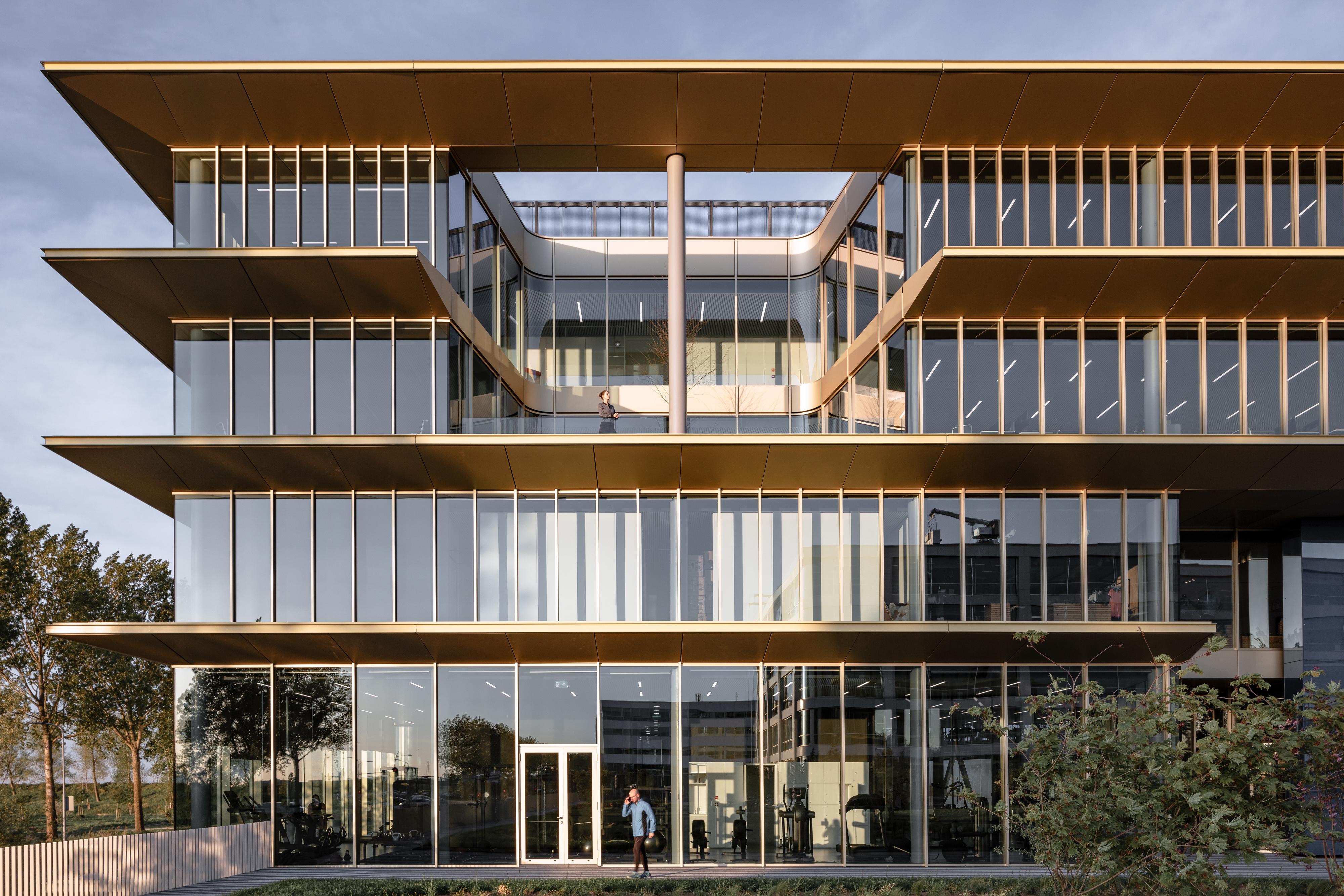 Lees het artikel over het hoofdkantoor ASICS EMEA in Hoofddorp door Powerhouse Company in de septemberuitgave van de Architect