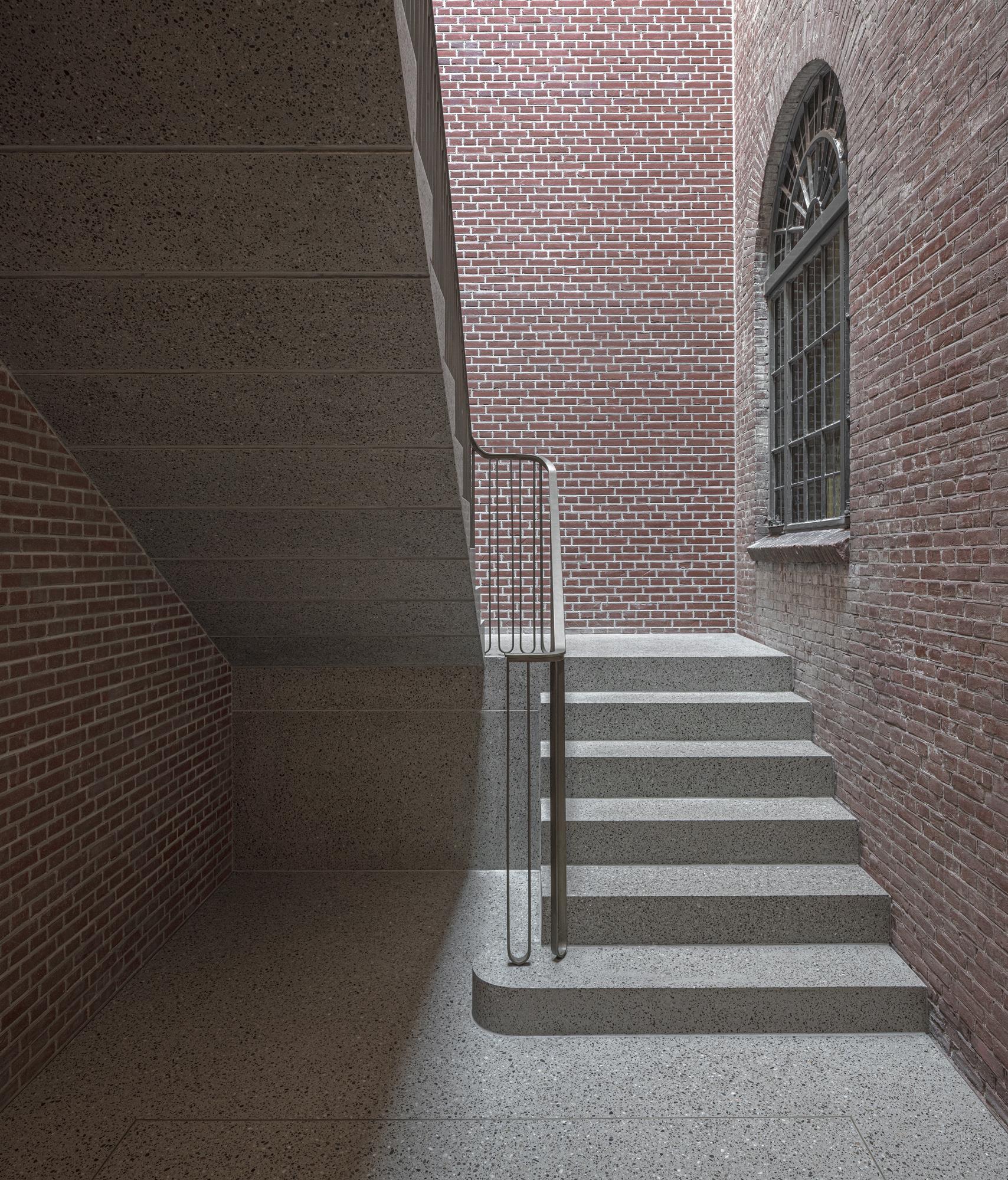 <p>Museum De Lakenhal Leiden door Happel Cornelisse Verhoeven en Julian Harrap Architects. Beeld Karin Borghouts</p>