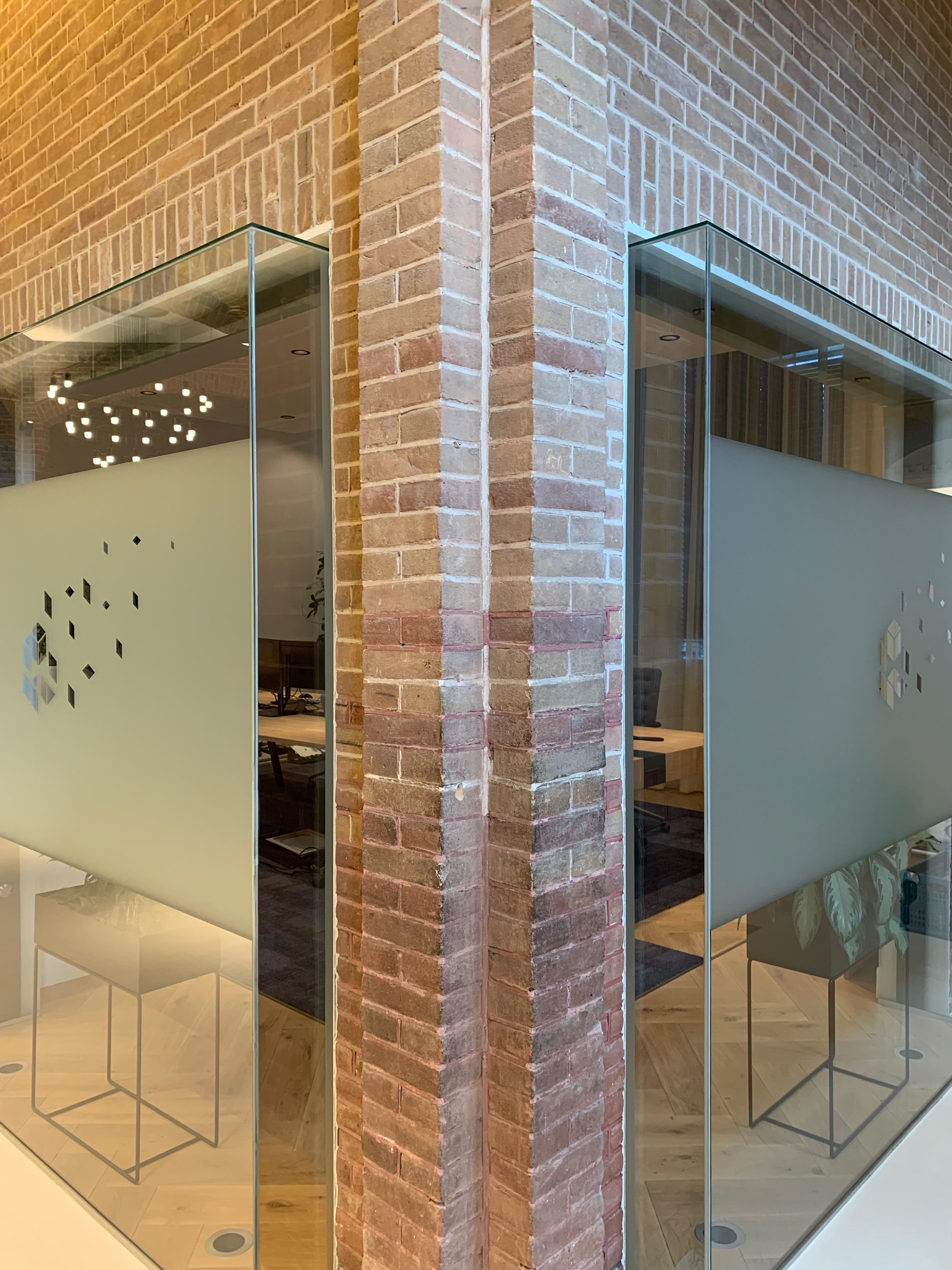 <p>Kantoor in monumentaal pand West-Friesland door Tanya van Leeuwen Interieurarchitectuur. Beeld Anne van Houwelingen</p>