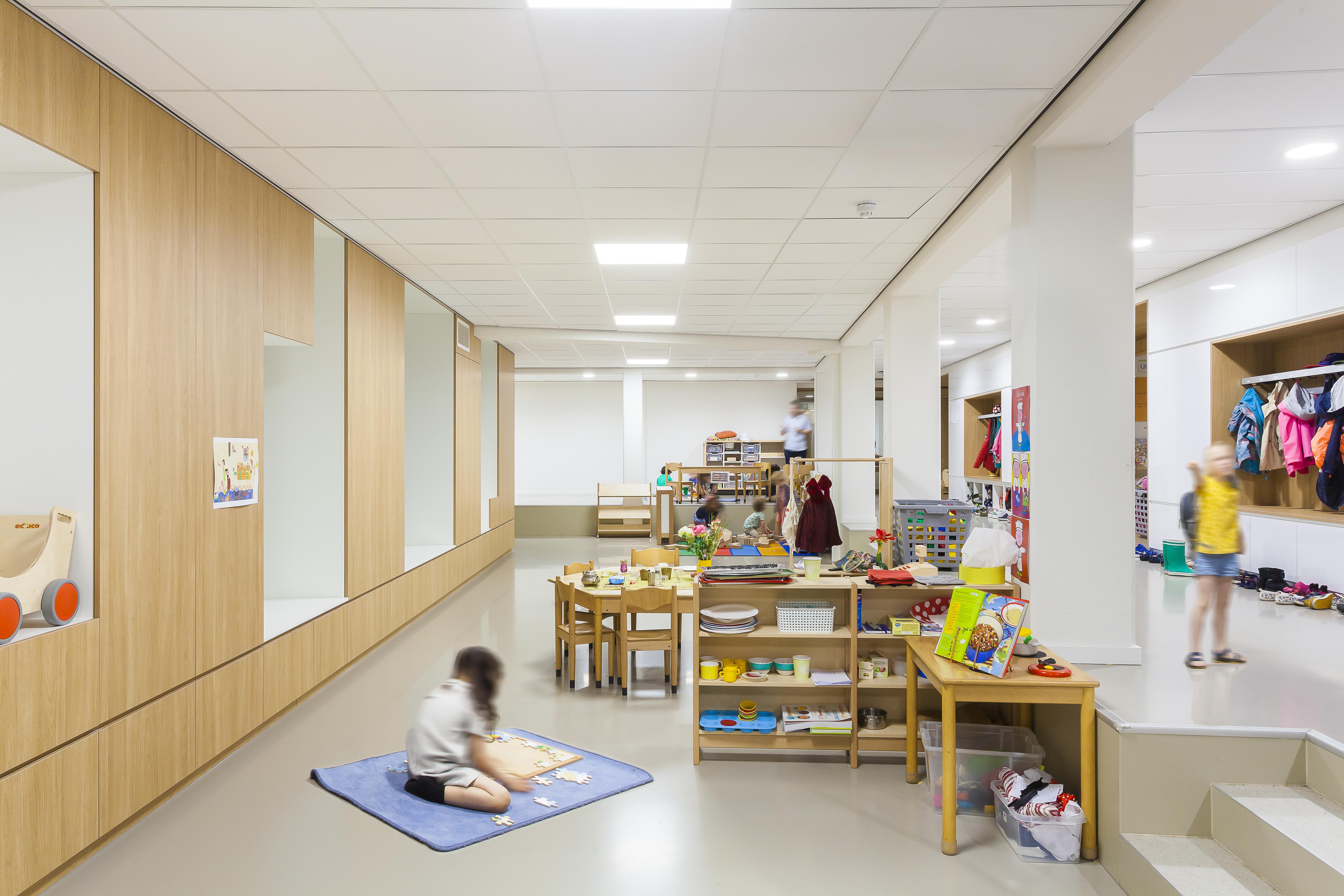 <p>De Nieuwe Internationale School Esprit Amsterdam door Paul de Ruiter Architects. Beeld Sonia Arrepia</p>