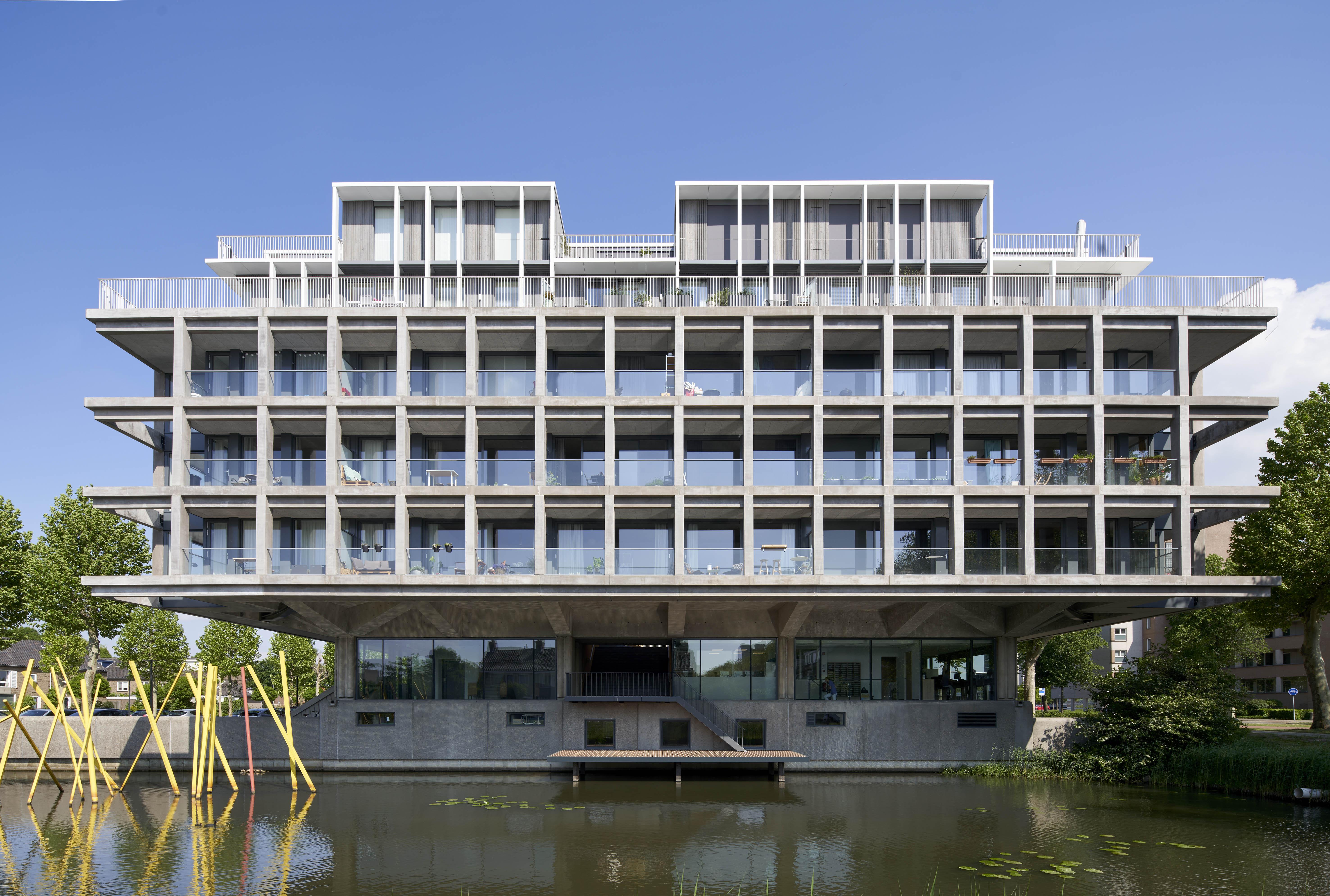 <p>Transformatie kantoorgebouw Schubertsingel Den Bosch door Houben / Van Mierlo Architecten. Beeld Rene de Wit</p>