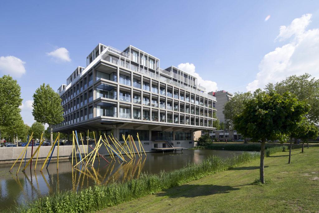 Transformatie kantoorgebouw Schubertsingel Den Bosch door Houben / Van Mierlo Architecten. Beeld Rene de Wit
