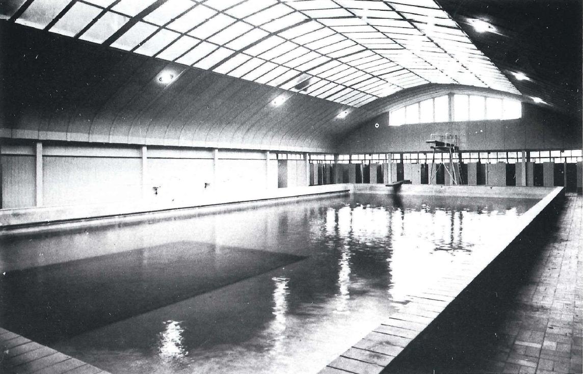 <p>Historische foto bassin van het Spaardersbad</p>