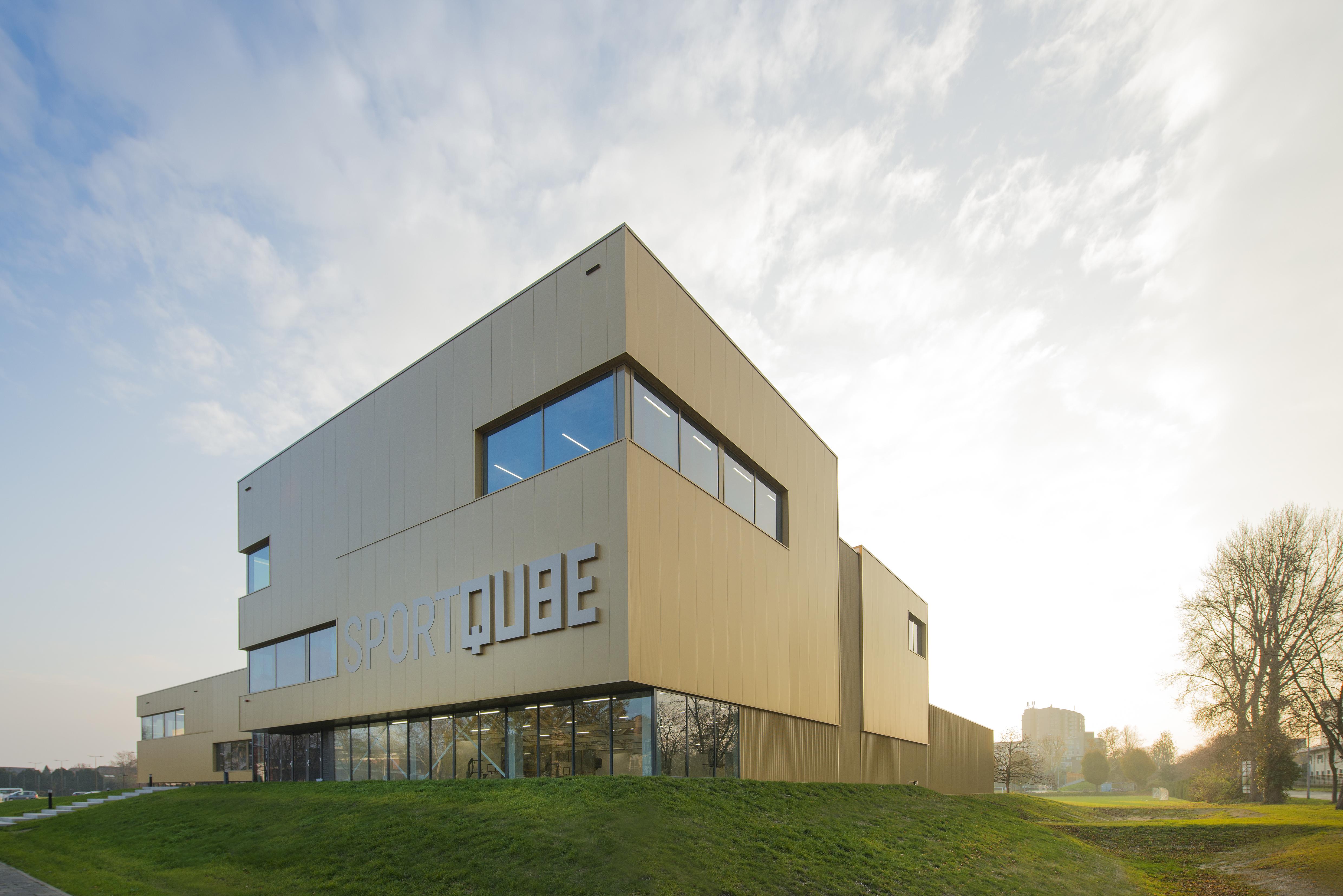 <p>Sportqube Nijmegen gefotografeerd voor LIAG Architecten Den Haag</p>