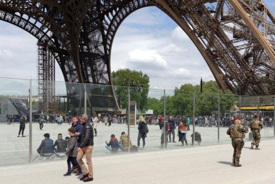 Dietmar Feichtinger Architectes wint prijsvraag voor beveiligde entree Eiffeltoren Parijs