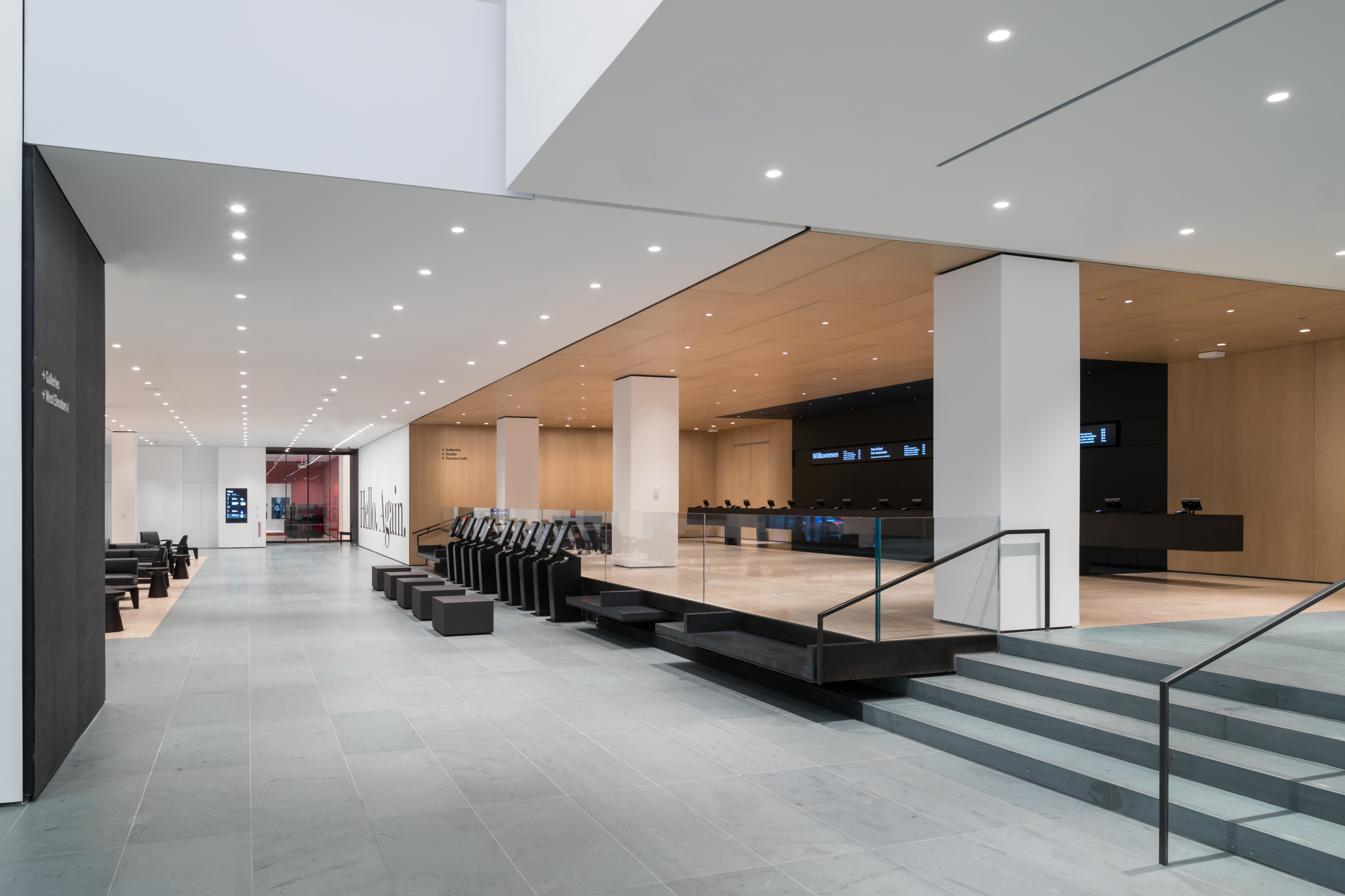 <p>Fase 2. Interior view of The Museum of Modern Art Lobby, West Connector Beeld Iwan Baan. Courtesey of MoMa</p>