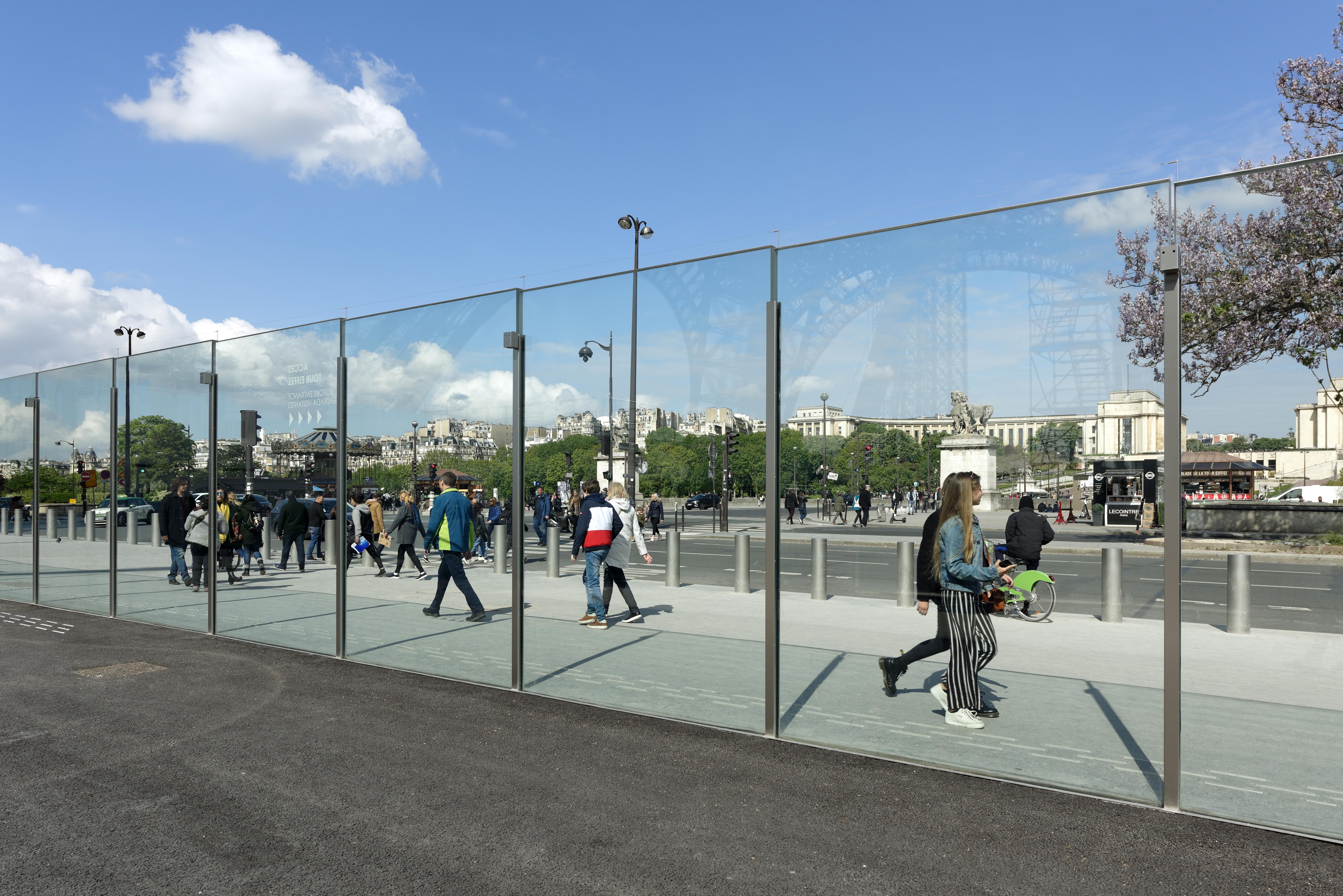 <p>Zicht naar Trocadero.  Beeld David Boureau</p>