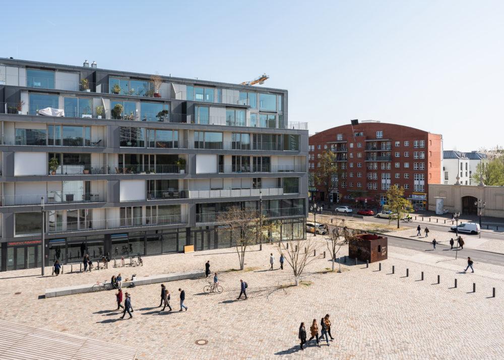 Intercultureel maatschappelijk experiment – Metropolenhaus in Berlijn door bfstudio-architekten