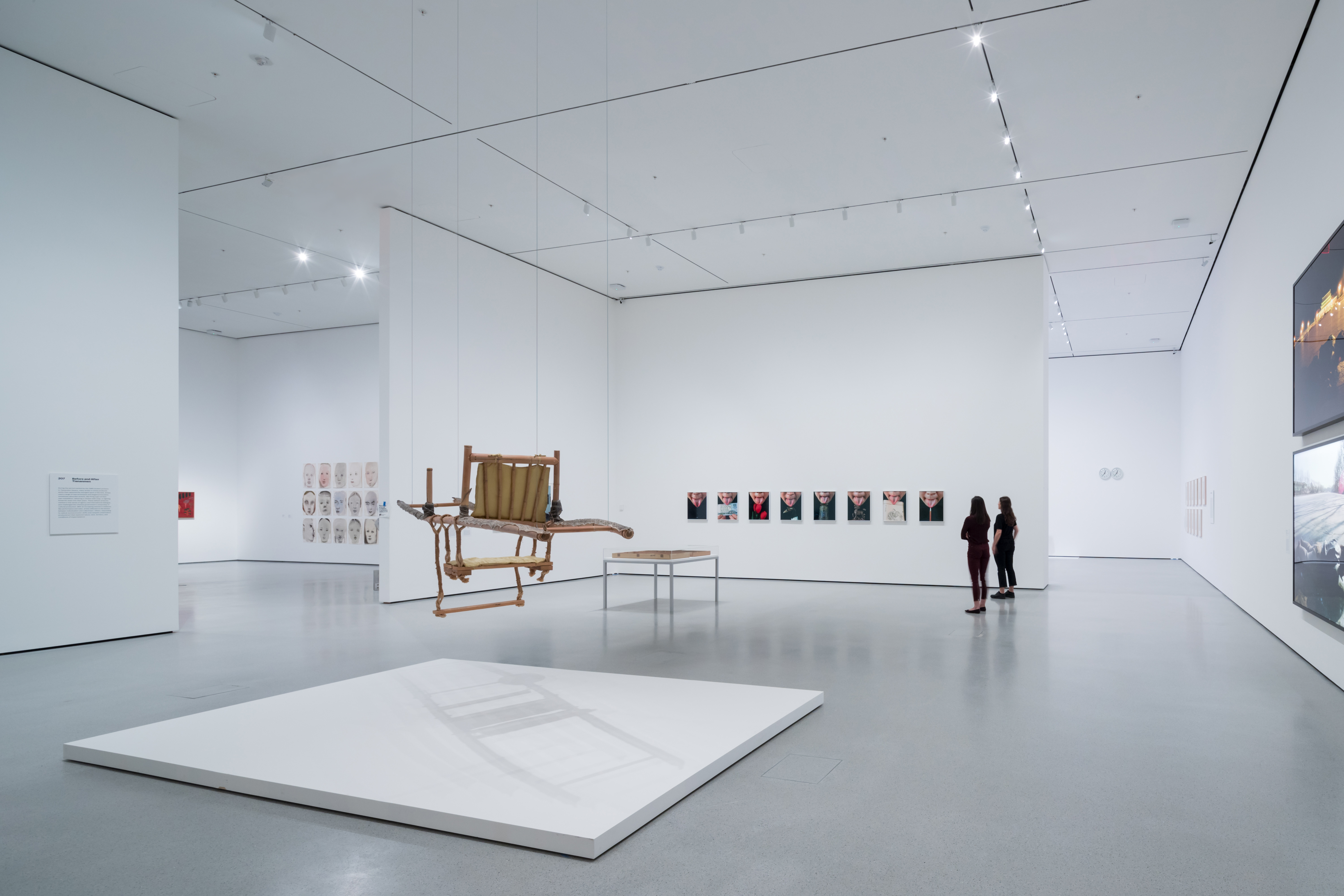 <p>MoMa Fase 2. Installation View of David Geffen Wing gallery 207, Before and After Tiananmen, The Museum of Modern Art Beeld Iwan Baan. Courtesey of MoMa</p>