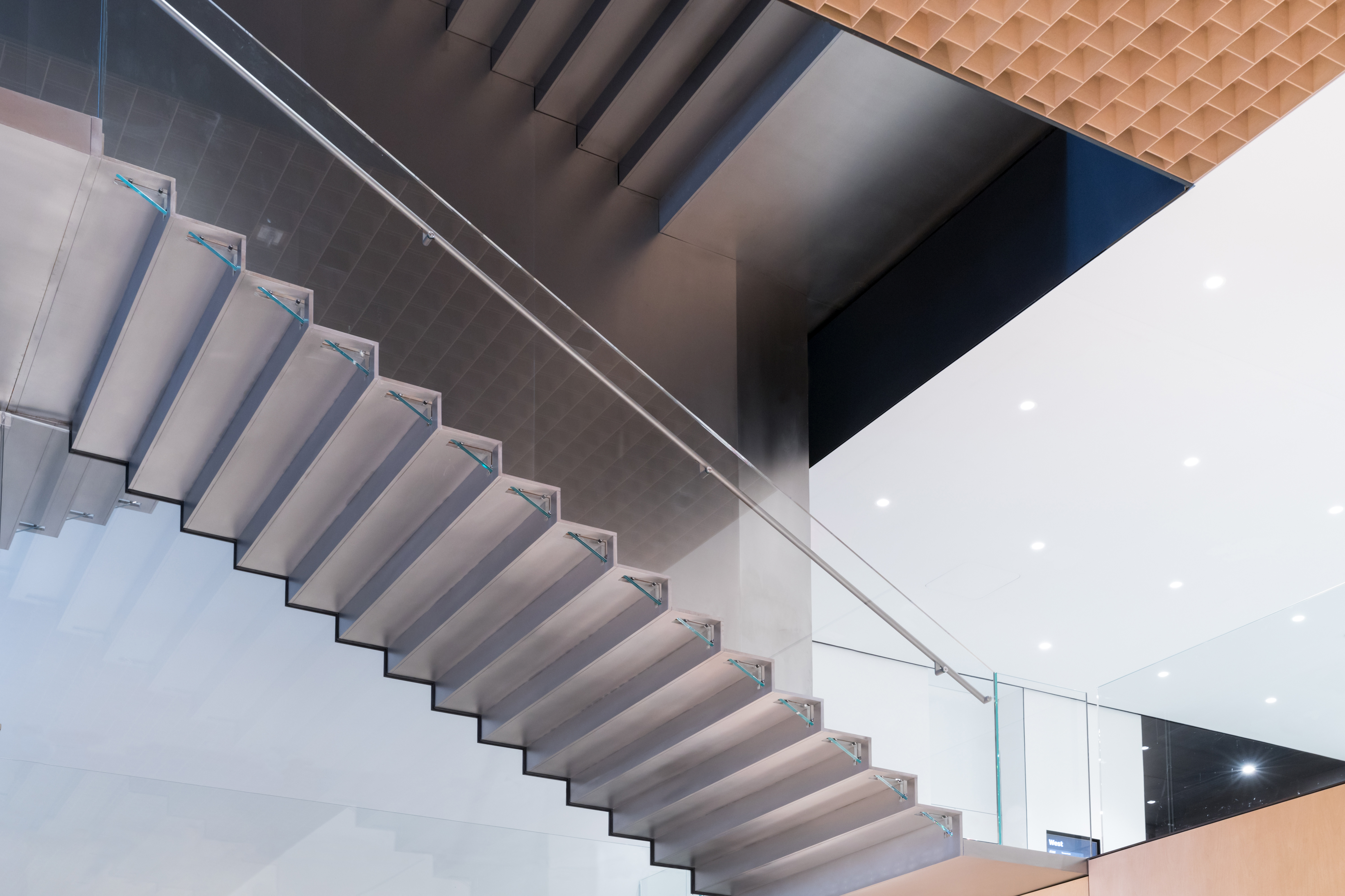 <p>MoMa Fase 2. Interior view of The Museum of Modern Art, Blade Stair, view from Flagship Museum Store Beeld Iwan Baan. Courtesey of MoMa</p>