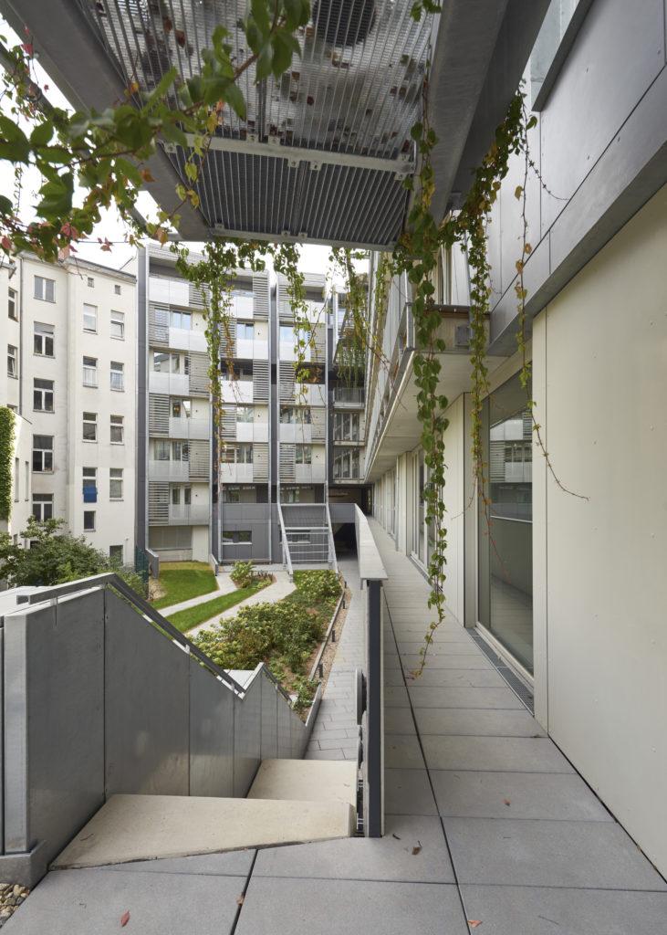 Metropolenhaus Berlijn door BFStudio Architekten Beeld Nils Koenning