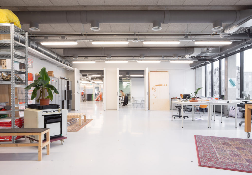 Interieur Sandberg Instituut in Amsterdam door Studio Anne Dessing. Beeld Jeroen Verrecht