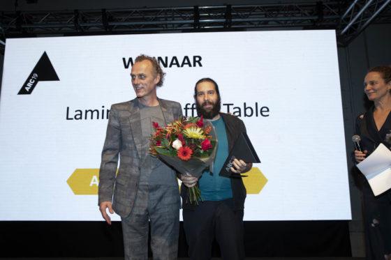 Laminated coffee table door Studio Jeroen Wand wint ARC19 Meubel Award
