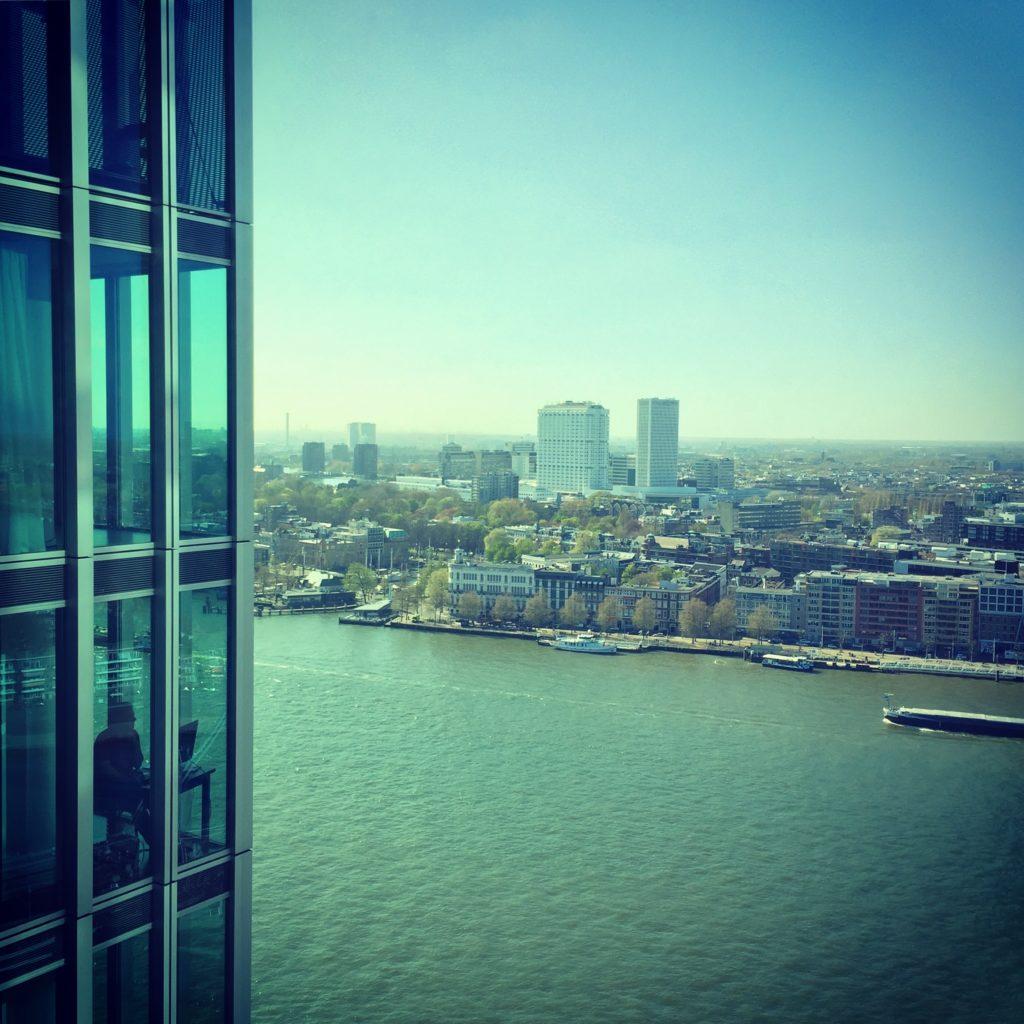 Uitzicht vanuit De Rotterdam met het Erasmus MC in de verte. Beeld Robbert Guis