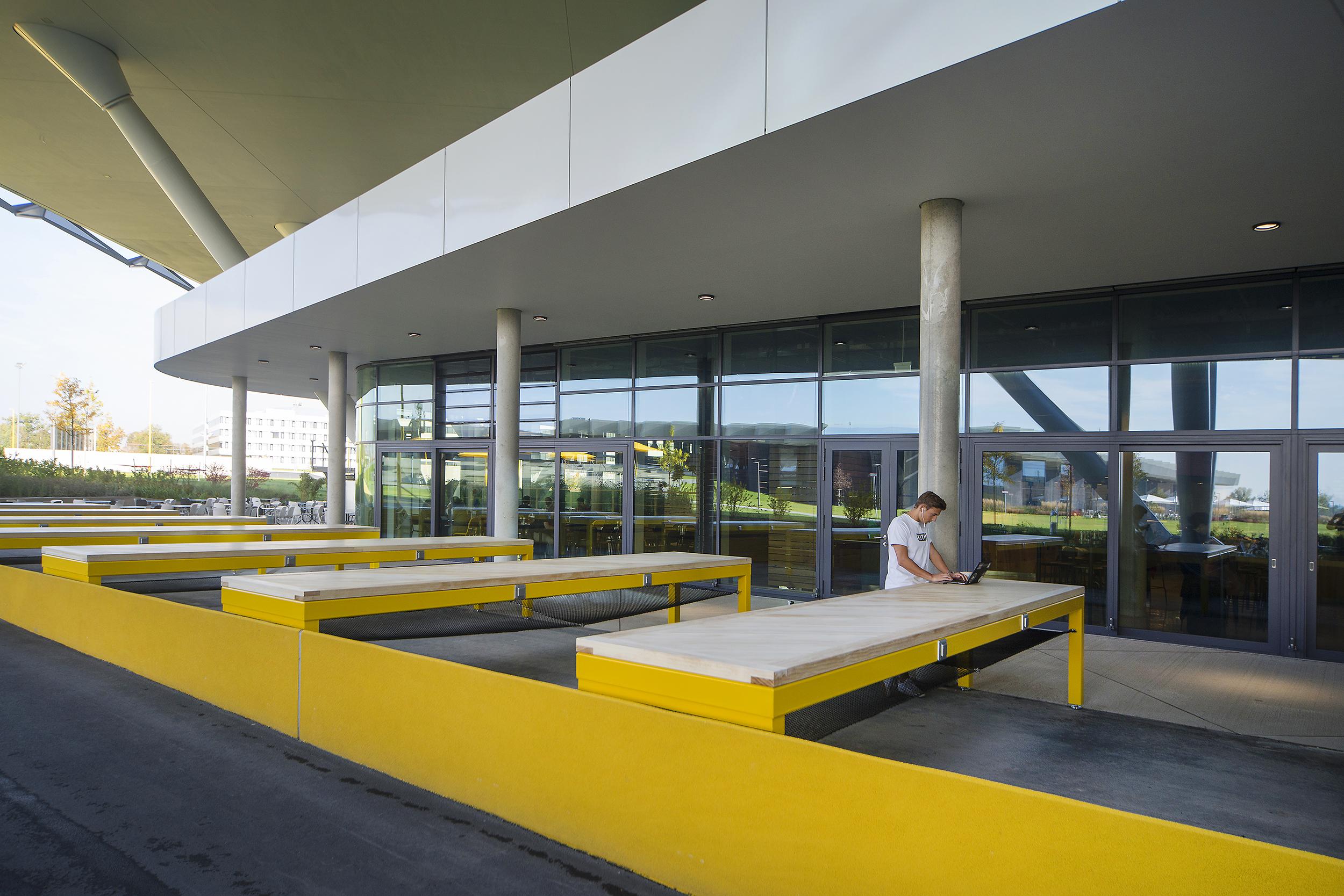 <p>Outside workspace. Beeld Hanns Joosten</p>