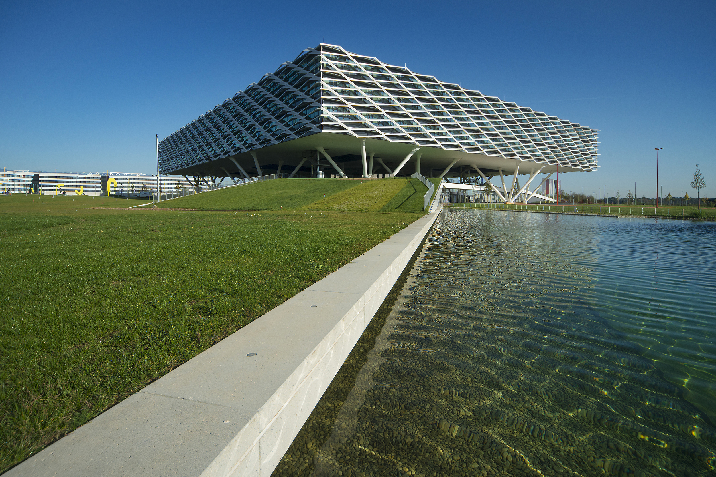 <p>Lake Arena. Beeld Hanns Joosten</p>