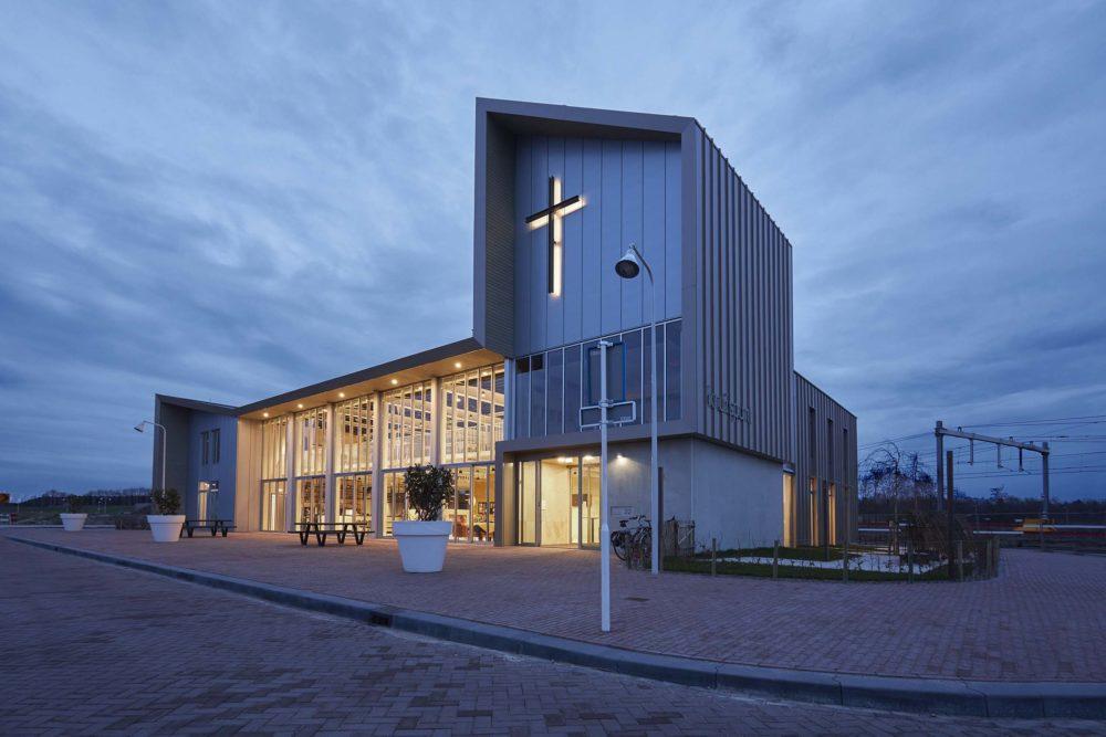 Kruispuntkerk Vathorst – RoosRos Architecten