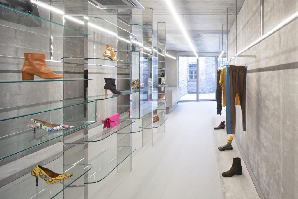 Winkelinterieur Labels Sittard - Maurice Mentjens. beeld Arjen Schmitz
