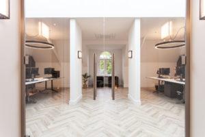 Interieurontwerp transparante kantoorruimte – Bob Romijnders Architectuur + Interieur